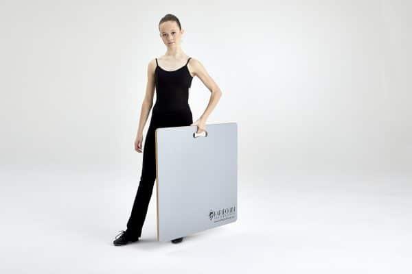 Harlequin Tap and Turn Board von Tänzerin getragen