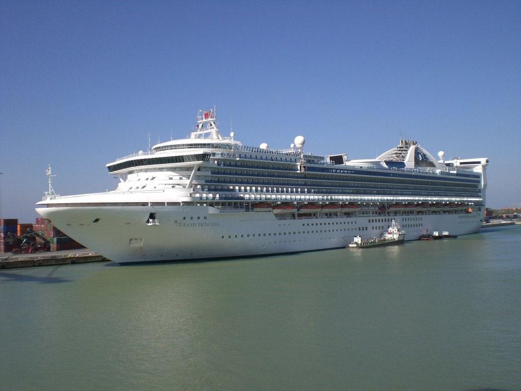Cruise ships srtage building Harlequin Marine